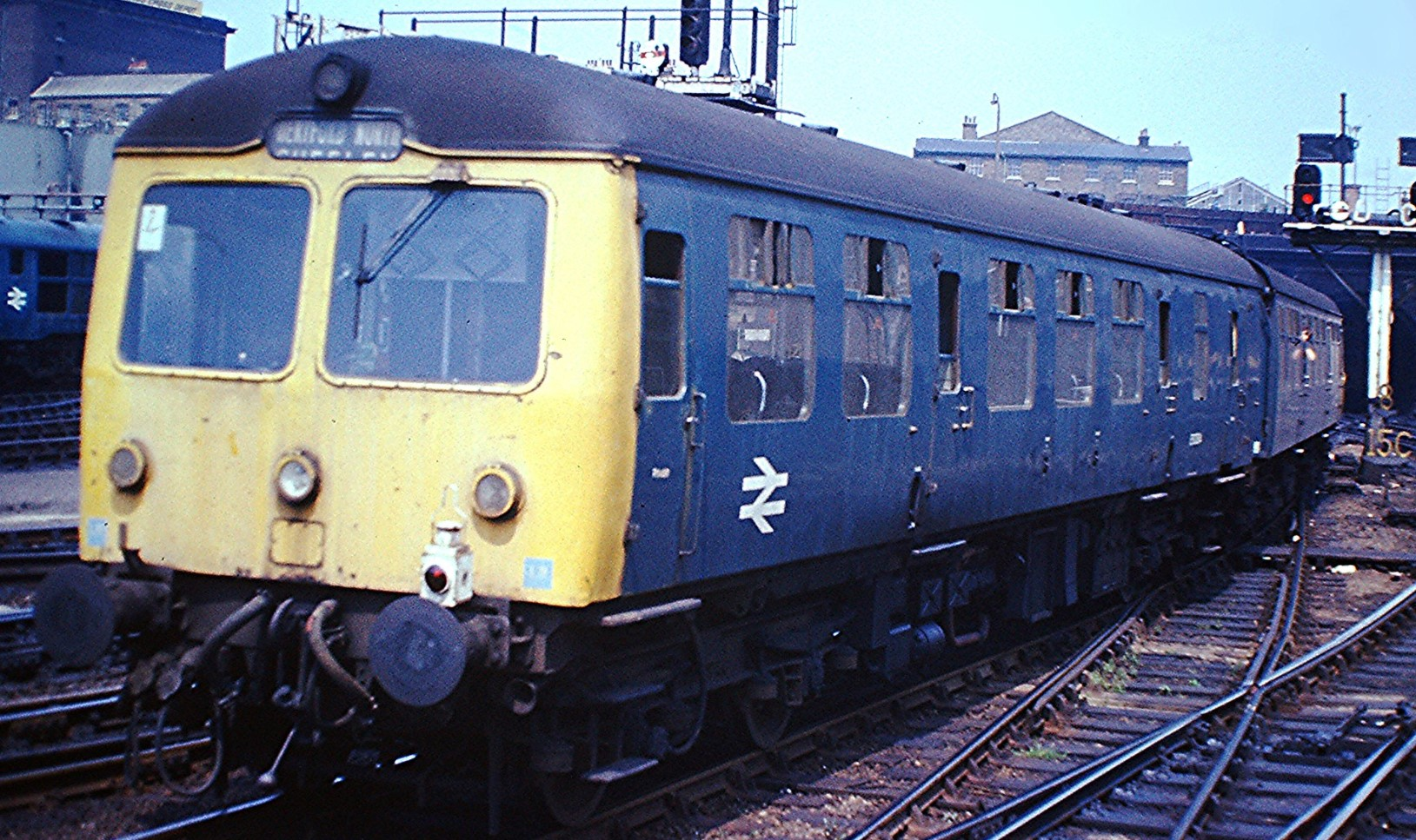 106 DMU consisting of E50367 and E56123 at London Kings Cross in July 1975. ©Hugh Llewelyn