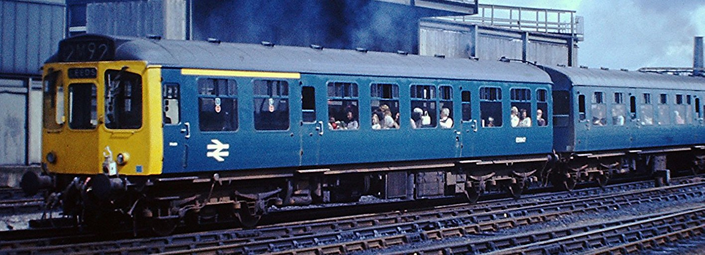 110 DMU consisting of E51831, E59695 and E51811 near Manchester Victoria in August 1975. ©Hugh Llewelyn