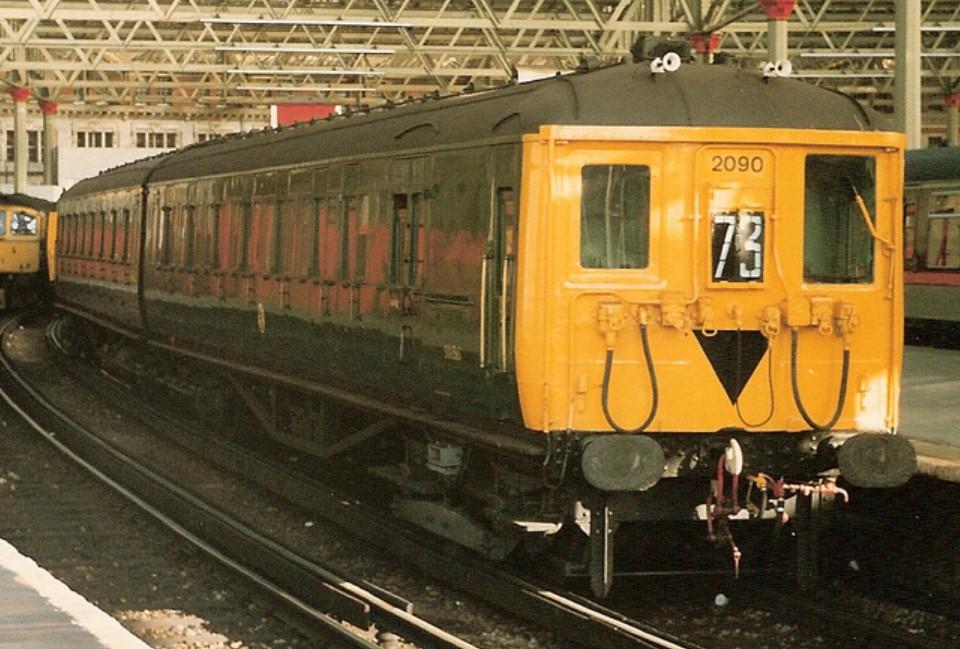 2090 at London Waterloo in November 1986. ©Michael Day