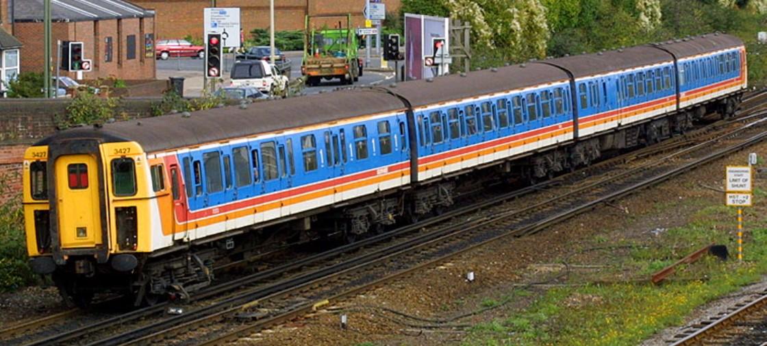 3427 at Eastleigh in September 2001. ©Steve Jones