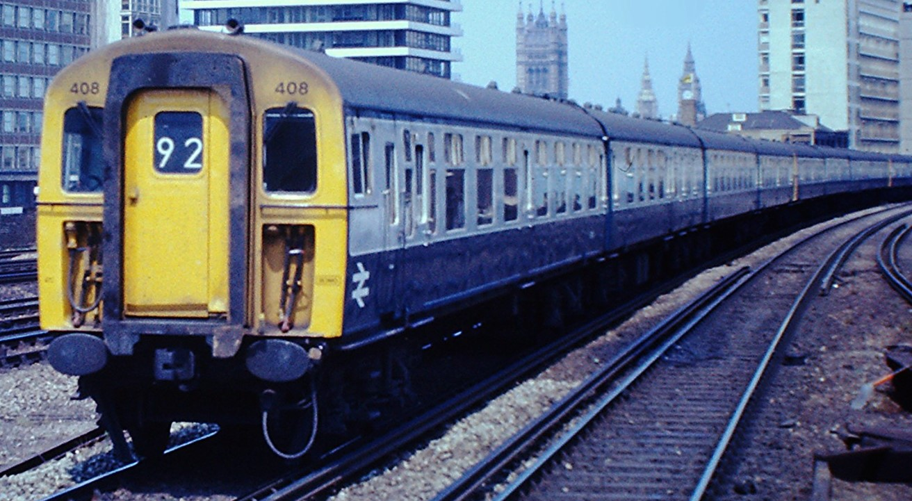408 neat Vauxhall, London in July 1975. ©Hugh Llewelyn