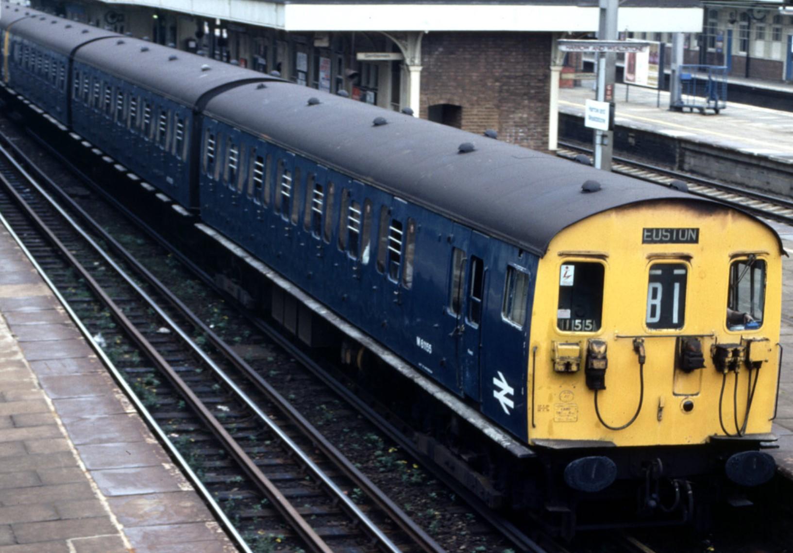 501 unit at Harrow & Wealdstone. Date unknown. ©Public Domain
