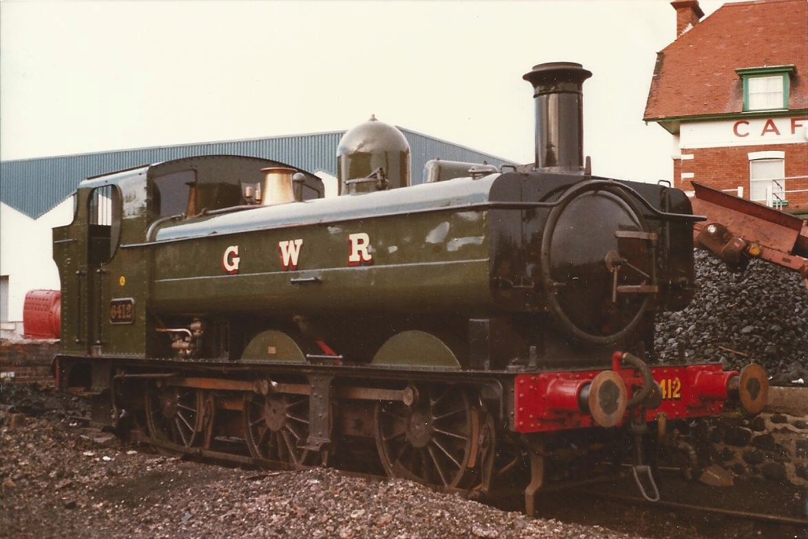 6412 in Minehead Yard. ©Hugh Llewelyn