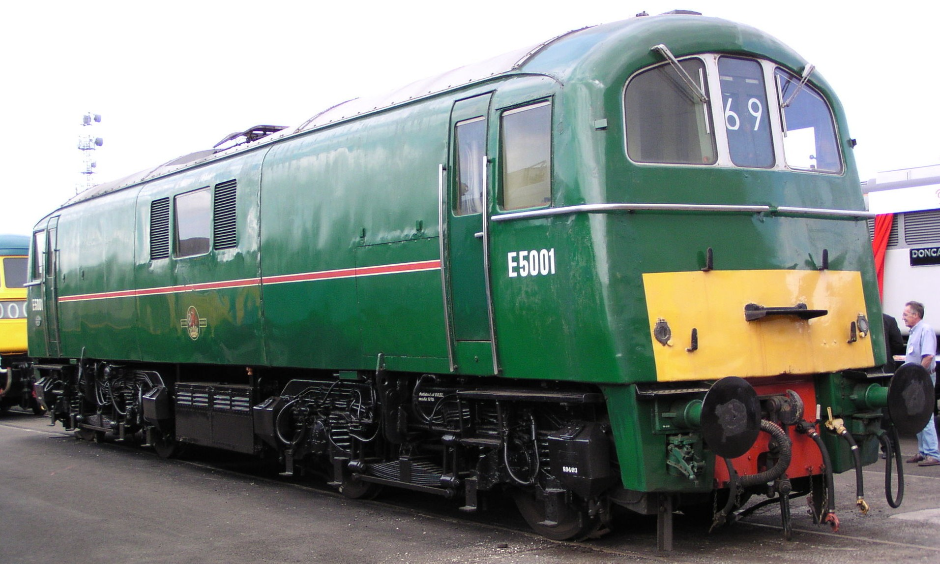 E5001 at Doncaster Works in July 2003. © Phil Scott