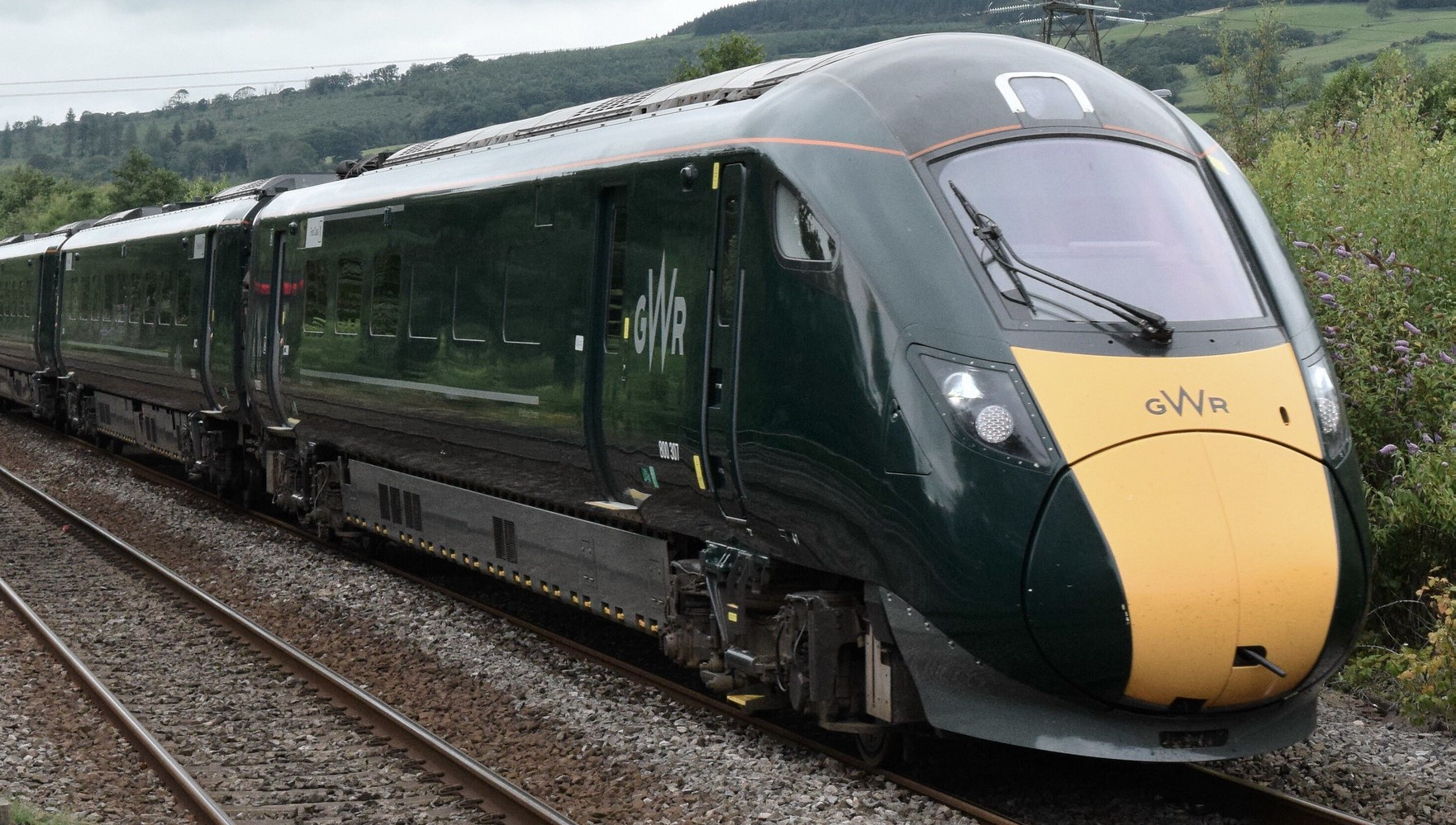 800307 near Pontyclun, South Wales in July 2020. ©Hugh Llewelyn