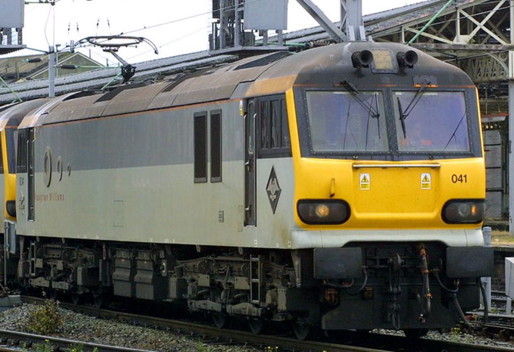 92041 at Crewe in June 2001. ©Steve Jones