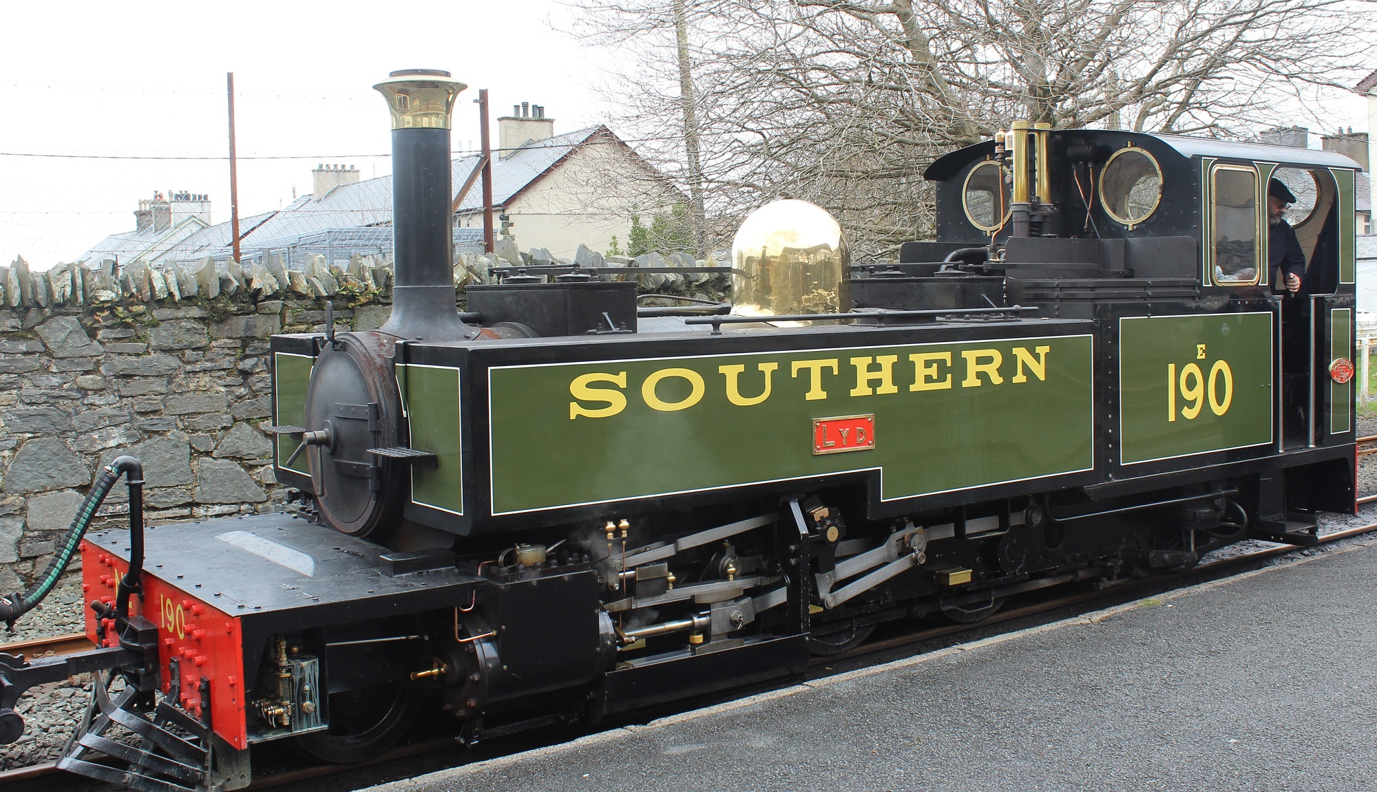"""Replica locomotive No.190 """"Lyd"""" on the Ffestiniog Railway. © MartinWL"""