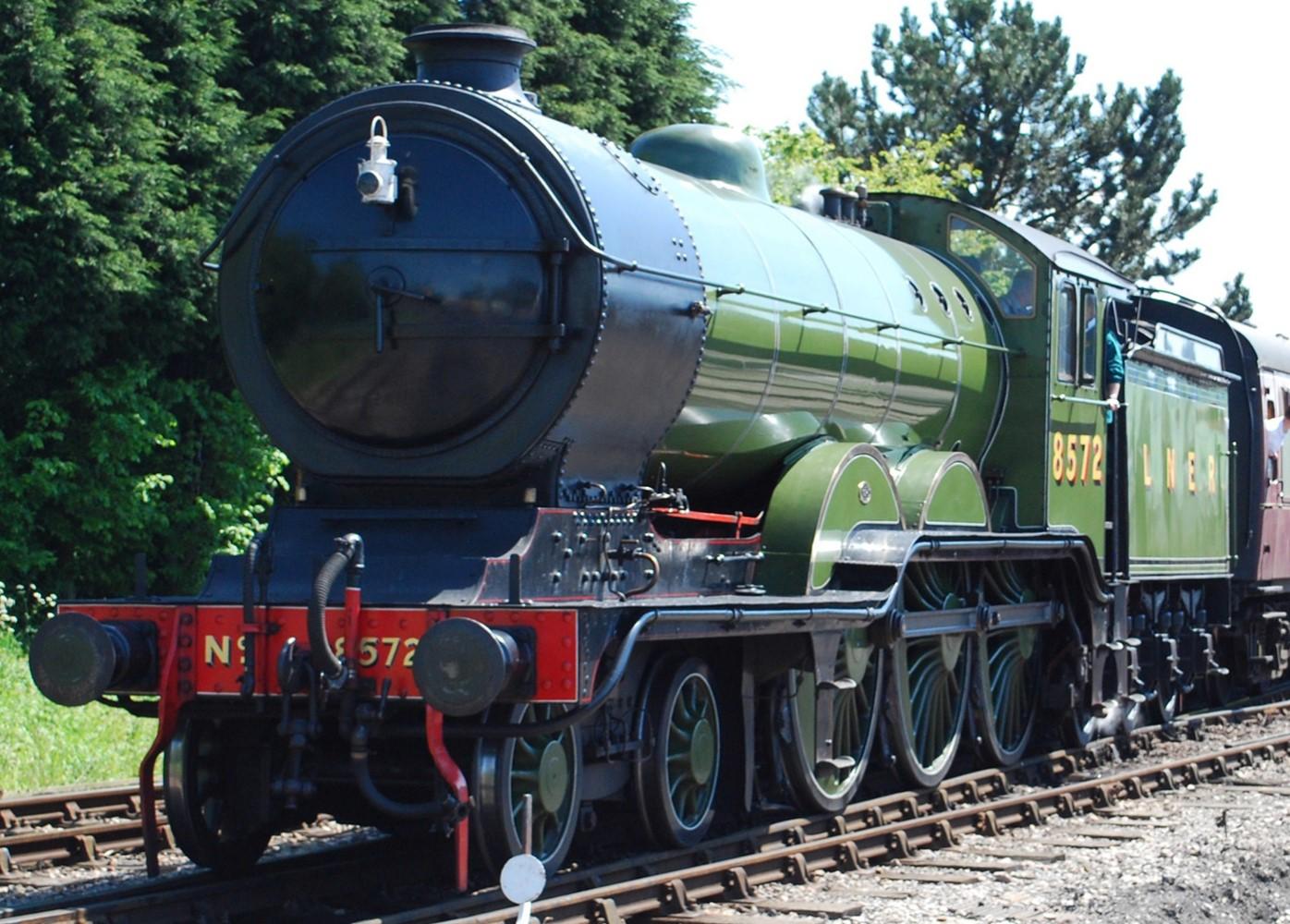 8572 at Toddington in June 2013 © Hugh Llewelyn
