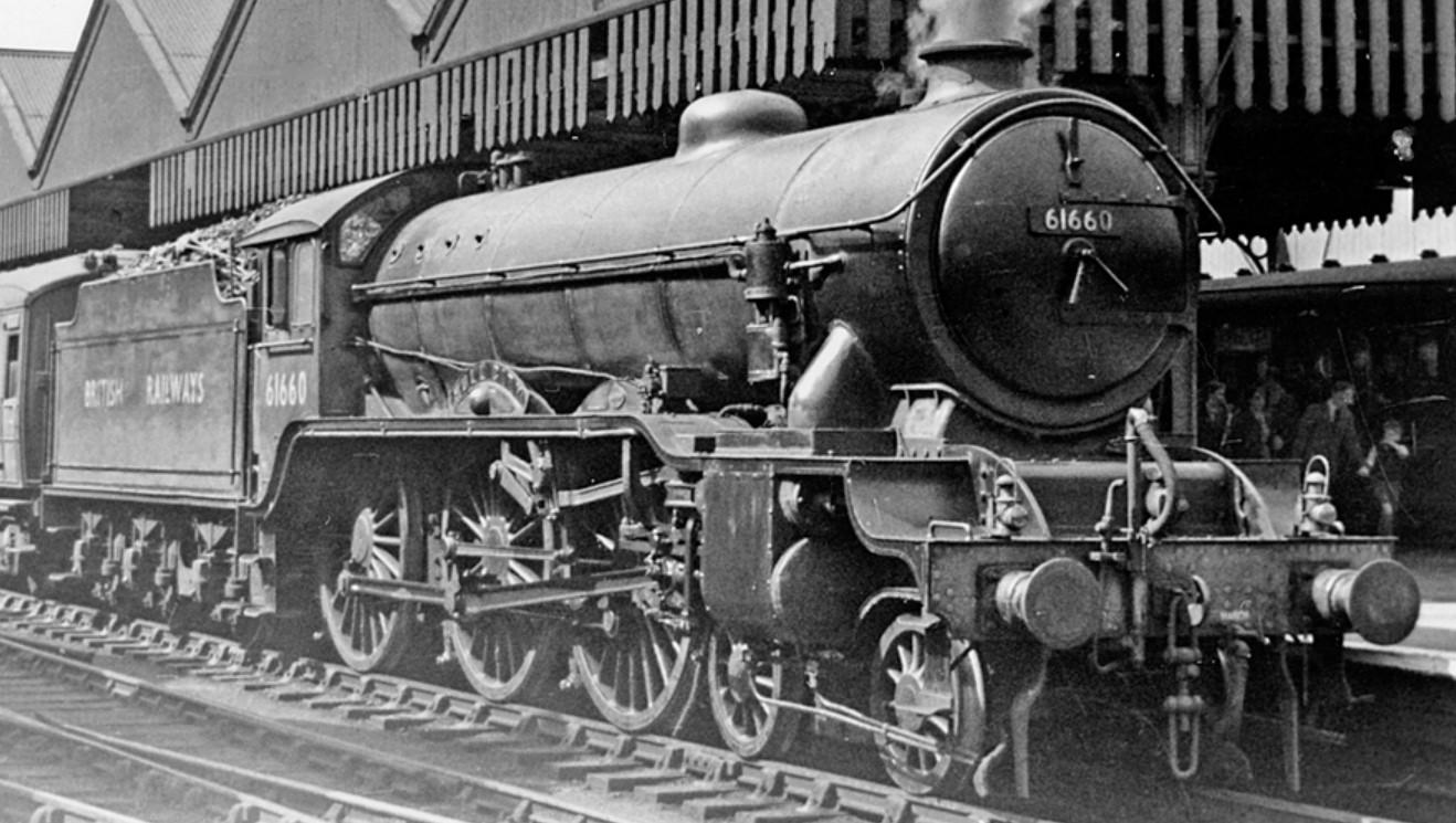 61660 at Sheffield Victoria in July 1950. ©Ben Brooksbank