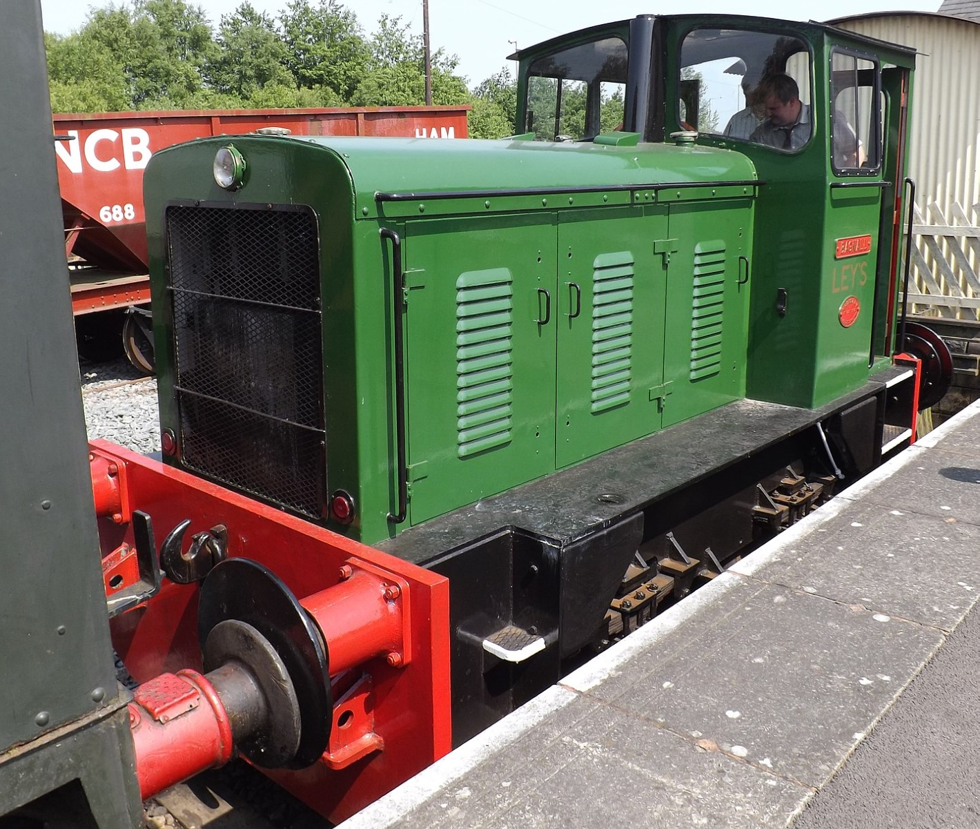 320-7 at the Chasewater Railway in May 2018. ©THTRail2013