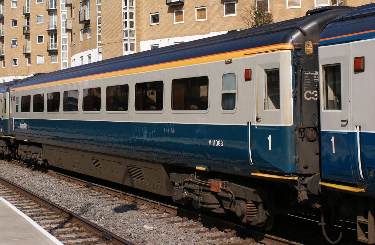 Mk3b FO M11083 at London Marylebone in March 2009. ©Hugh Llewelyn