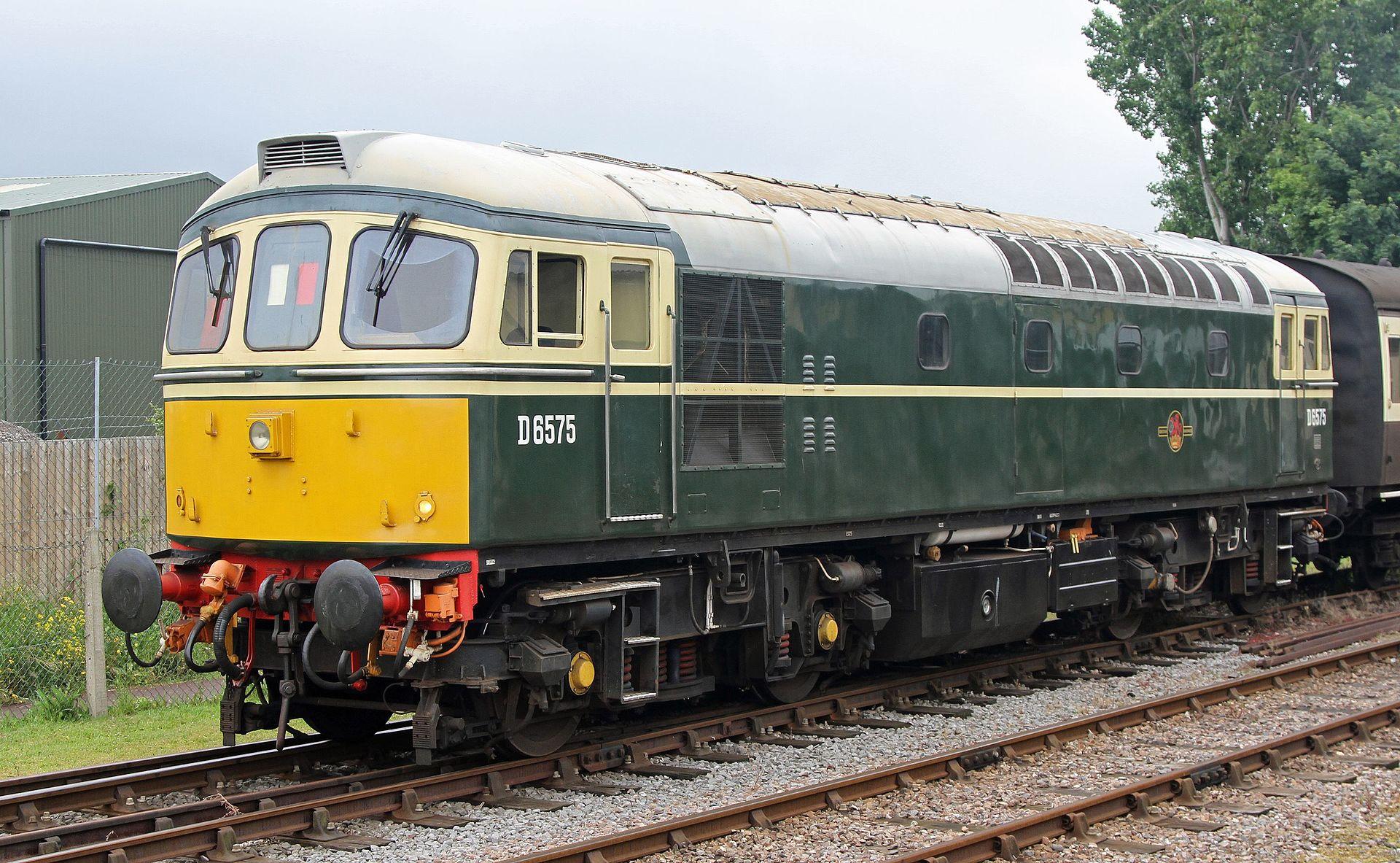 D6575 at MInehead in 2015