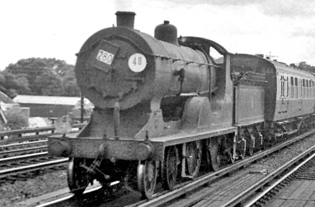 30467 at West Weybridge in July 1953. ©Ben Brooksbank