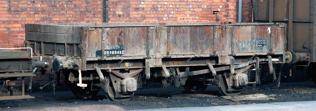 DB988482 at Duddeston in October 1985. ©Steve Jones