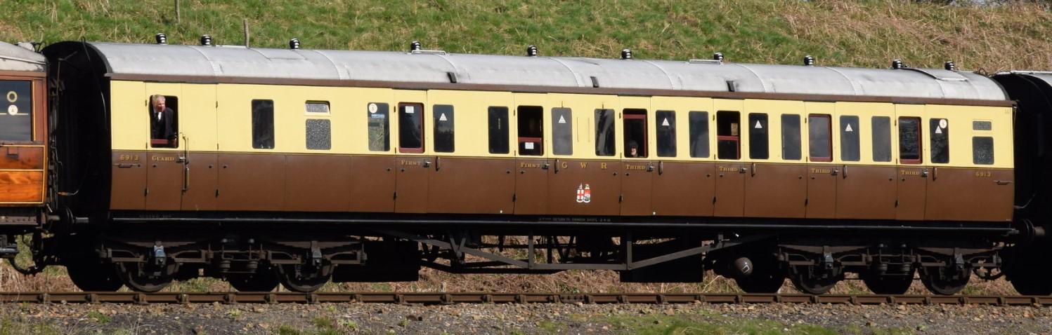 No. 6913 at Eardington on the Severn Valley Railway in April 2021. ©Hugh Llewelyn