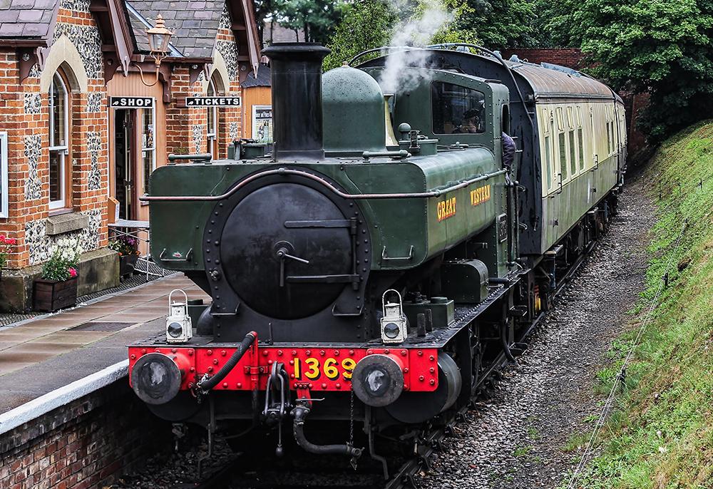No. 1369 at Chinnor in July 2015. © Charlie Jackson