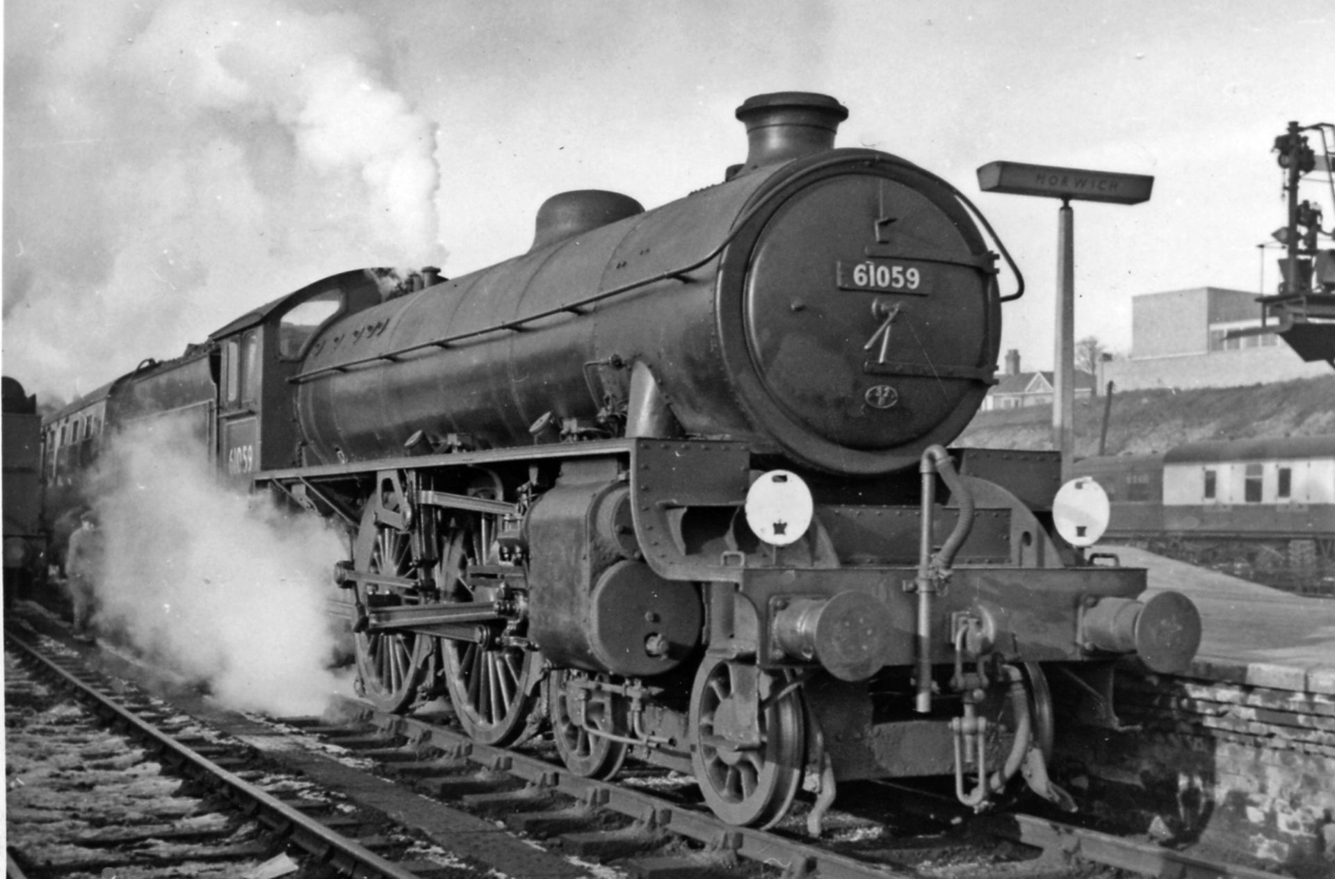 61059 at Norwich Thorpe in January 1958. © Ben Brooksbank