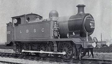 Class E2 No.100 in June 1913. ©Public Domain