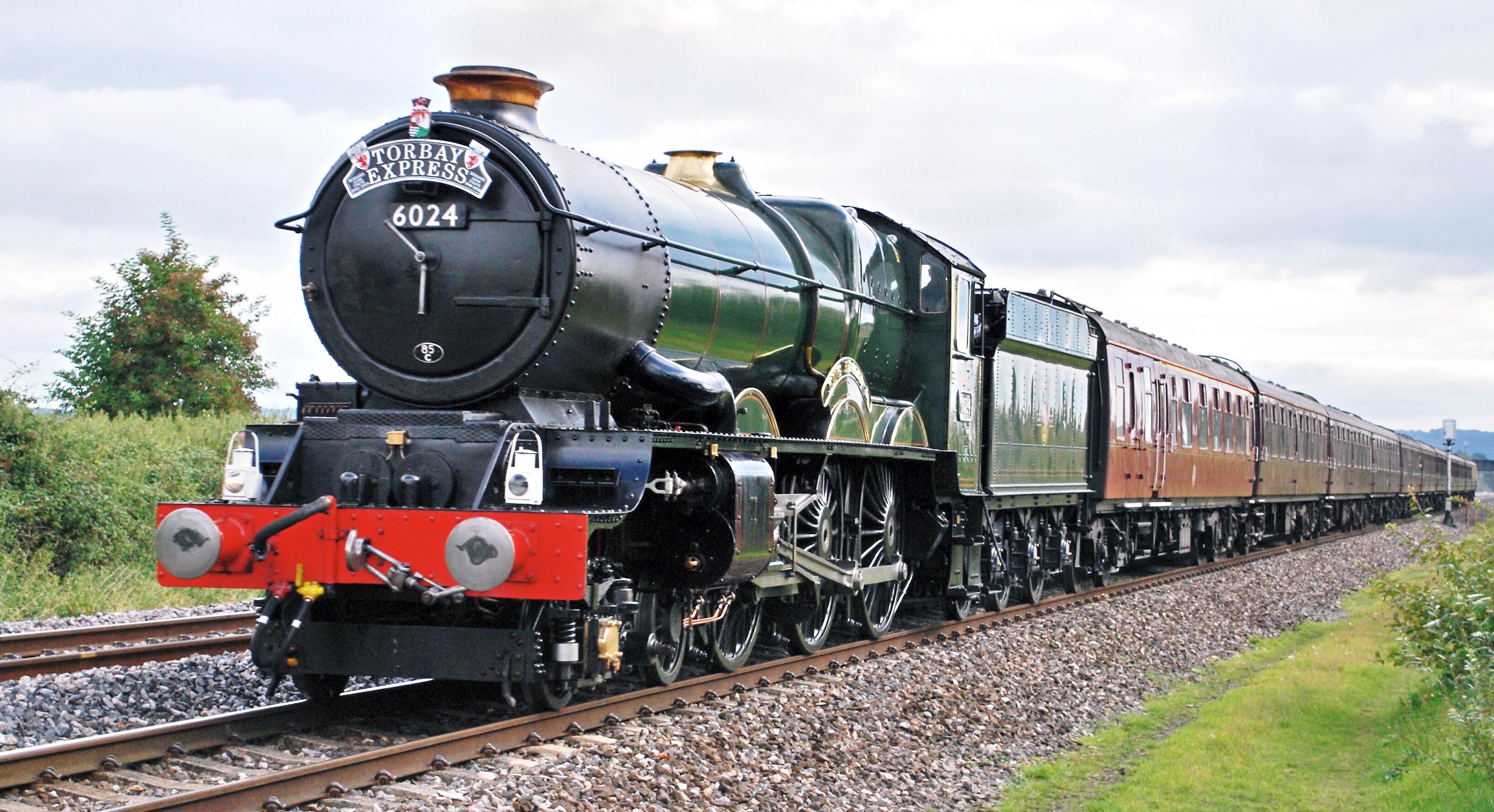 No. 6024 'King Edward I' near Yatton in August 2009. © Hugh Llewelyn