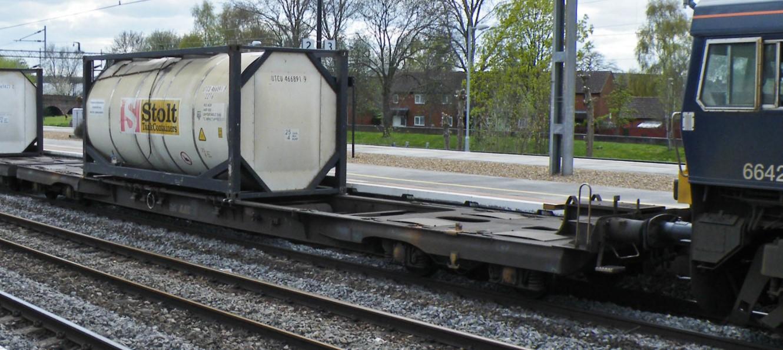 33 68 4909 155-6 at Northampton in April 2013. ©Dan Adkins