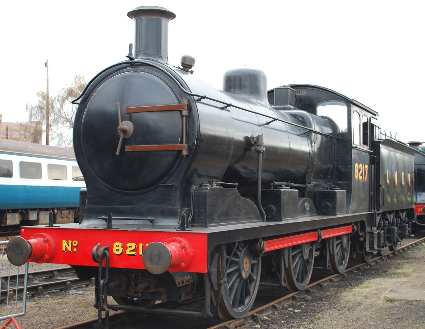 8217 at Barrow Hill Roundhouse in April 2012. ©Hugh Llewelyn