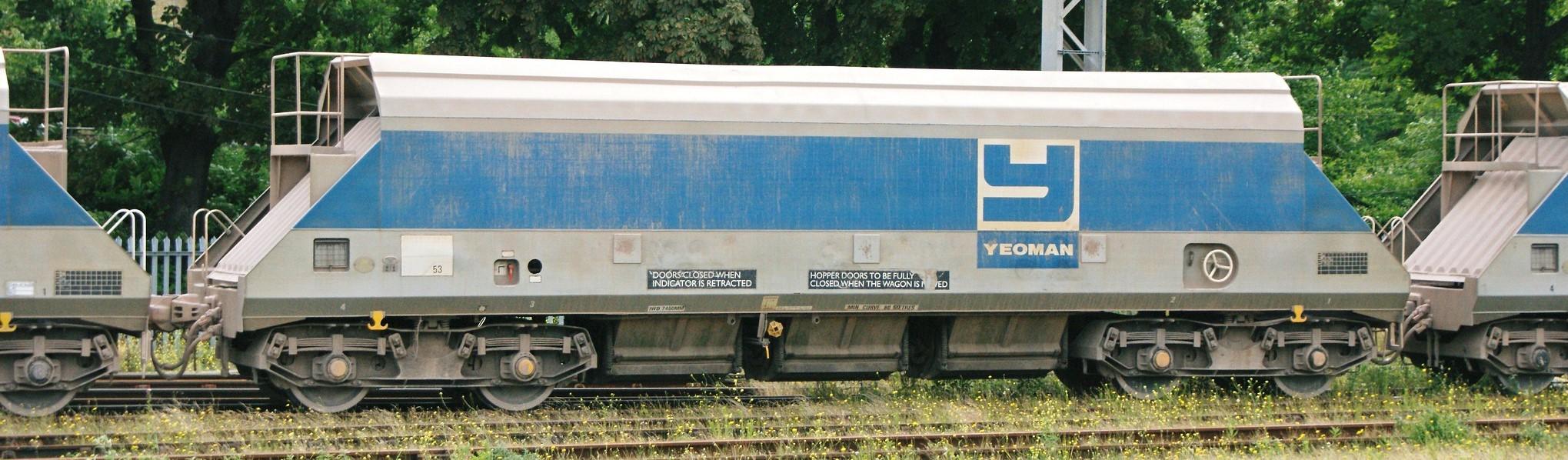 JHA OK19353 at Watford Junction in June 2008. ©Hugh Llewelyn