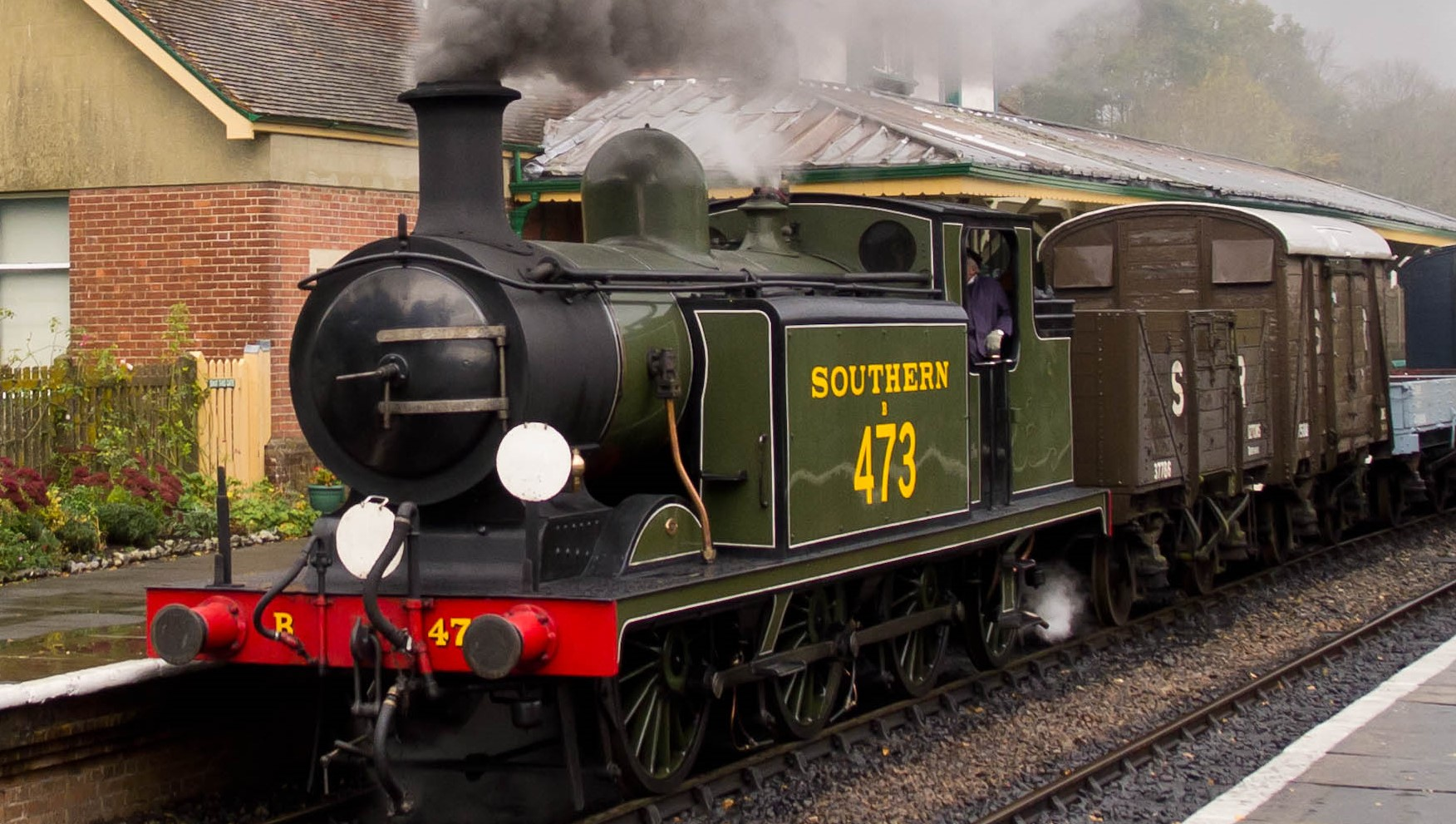 473 at the Bluebell Railway in November 2011. ©Ed Webster
