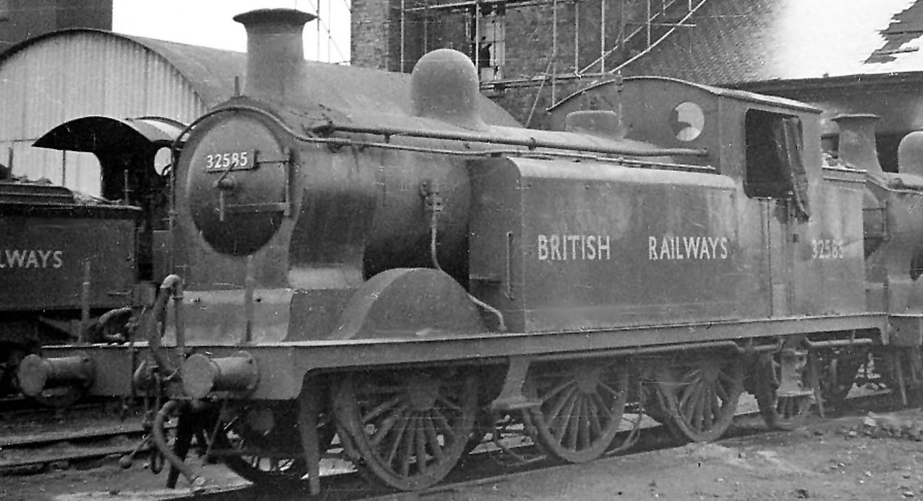 32585 at Three Bridges Depot in December 1948. ©Ben Brooksbank
