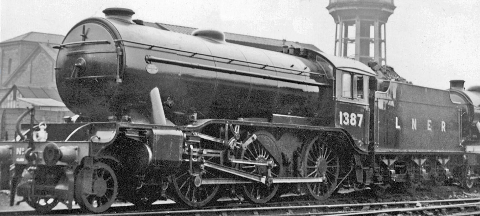 1387 at York North Locomotive Depot in September 1939. ©Walter Dendy