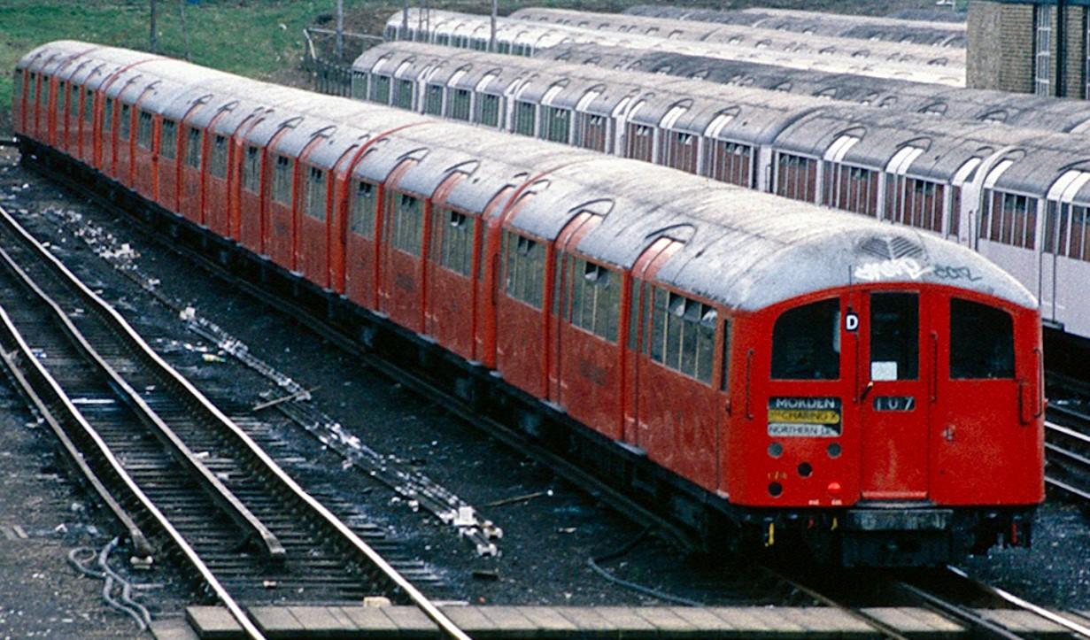 '38 stock unit at Morden in April 1988. ©Steven Duhig
