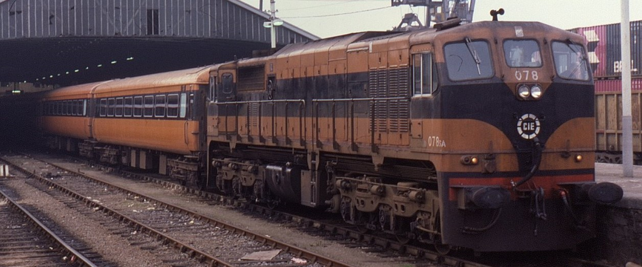 No. 078 with a rake of Mk2Ds at Dublin Heuston in October 1985. ©Phil Richards