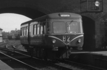 Railbus at Bedford Midland in May 1959. ©Dr Neil Clifton