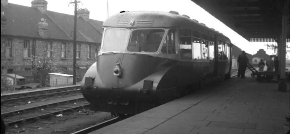 A similar GWR Railcar stands at Oxford in May 1956. ©Dr Neil Clifton
