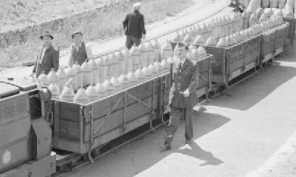 RNAD open wagons at RAF Fauld, Staffordshire in 1944. ©Public Domain