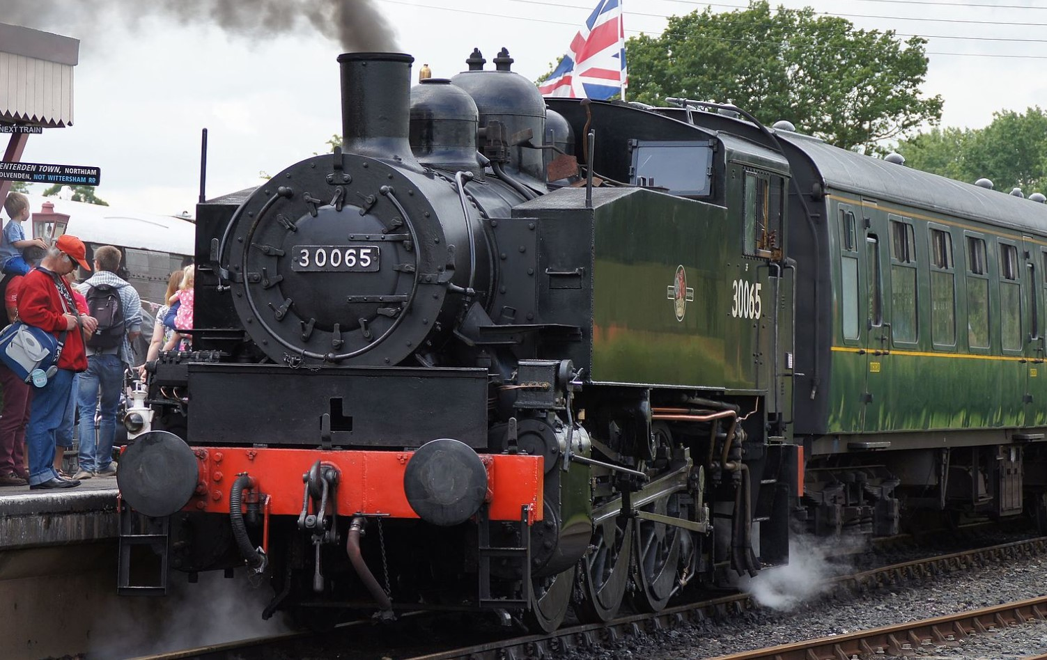 30065 at Bodiam on the Kent & South Essex Railway in July 2016. ©Markus Giger