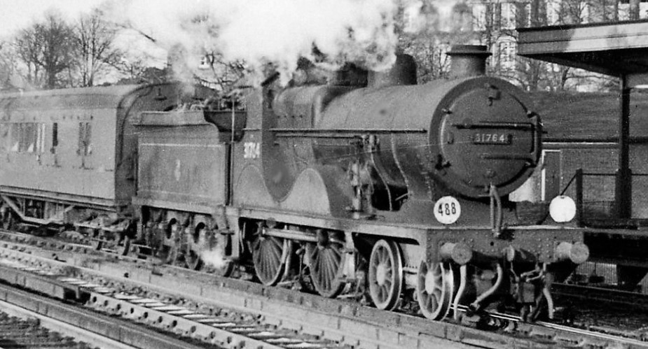 31764 at Redhill in April 1958. ©Ben Brooksbank