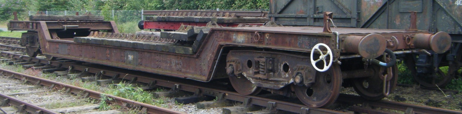 DB900910 at Bristol Harbourside in June 2012. ©Hugh Llewelyn