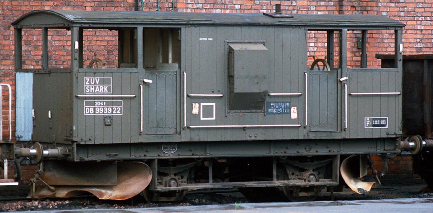 DB993922 at Duddeston in May 1985. Steve Jones