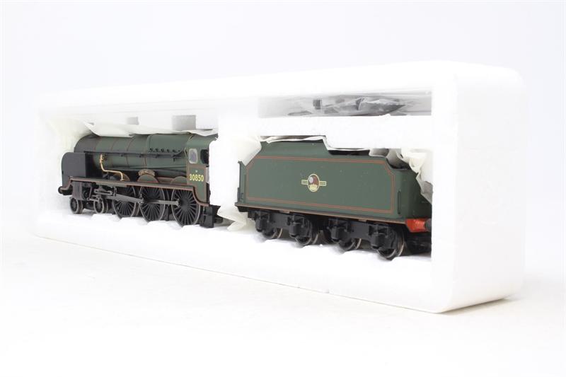 www.hattons.co.uk - Bachmann Branchline 31-406-PO22 Lord Nelson Class 4-6-0 30850