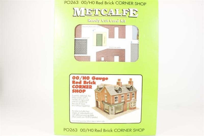 Metcalfe Corner Shop In Red Brick OO Gauge Card Kit PO263