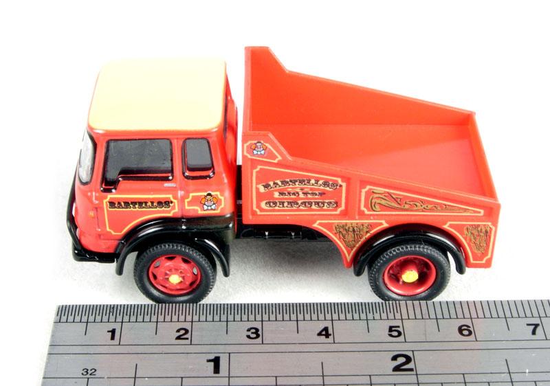 Hornby SkaleAutos 1:76 R7041 Bedford TK LBW Rigid Circus Ballast Truck