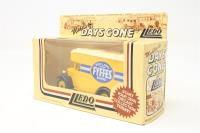 Lledo DG16010-PO01 Dennis parcels van 'Fyffes Bananas' - Pre-owned - Good box