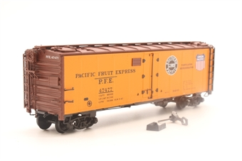 45501-04-PO 40' steel reefer #47477 'PFE' - Pre-owned - Assembled kit - Detached coupling - Incorrect box