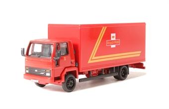 "76FCG004 Ford cargo box van ""Royal Mail"""