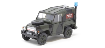 76LRL002 Land Rover 1/2 Ton Lightweight Military Police