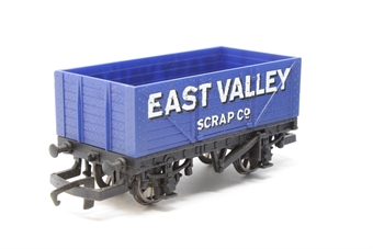 """H653-PO06 Open mineral wagon """"East Valley Scrap Co."""" - Pre-owned - One buffer missing - Marks to bodywork - Replacement box"""